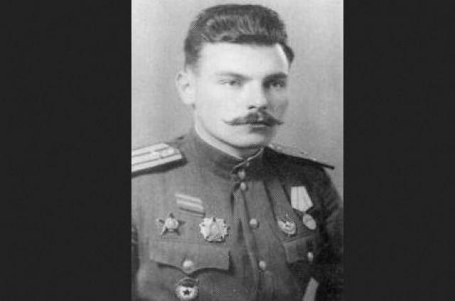 Завершив учебу в 1951 году, Артем год командовал 34-й пушечной артиллерийской бригадой Прикарпатского военного округа. Затем поступил в Военную академию имени К. Е. Ворошилова, которую окончил в 1954 году. После окончания академии служил на командных должностях.