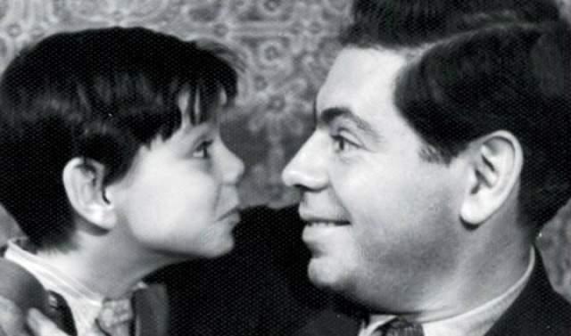 """В 1950 году у Аркадия и Руфи родился сын Константин, которому суждено было стать достойным продолжателем дела семьи, театральным режиссером и актером. Сегодня он руководит театром """"Сатирикон"""", преподает в собственной театральной школе."""