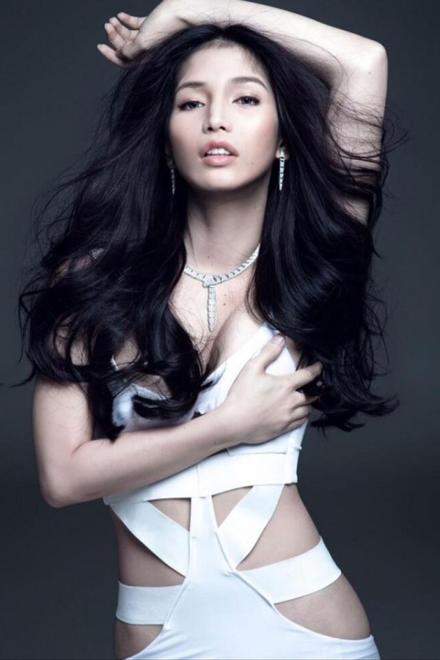 Кевин Бэлот. Кевин родился Филиппинах и с детства его мечтой было стать королевой красоты. По правилам лица мужского пола не допускаются до участия в конкурсе, но это не стало стеной на пути Кевина к победе.