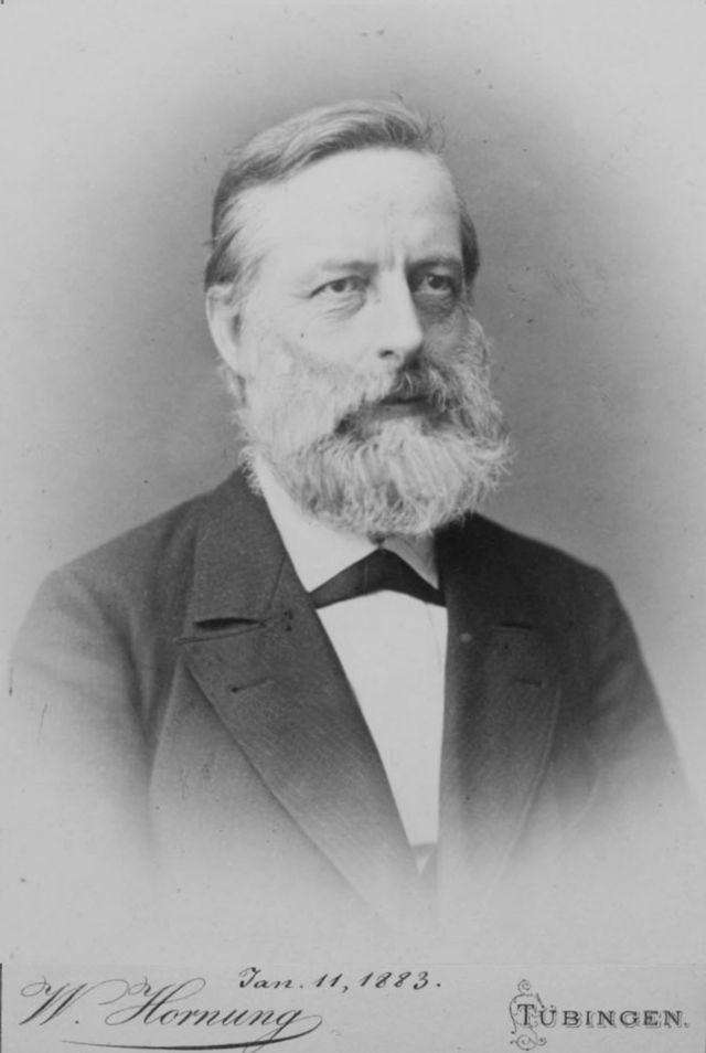 """Но немецкий ученый оперировал только с """"правилом октетов"""", согласно которому свойства каждого восьмого элемента похожи на свойства первого. Тогда как правило это оказалось справедливым только для начала периодической таблицы."""