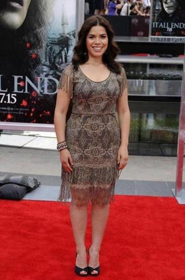 """Америка Феррера. Звезда фильма """"Красотки худыми не бывают"""" чувствует себя комфортно в своем теле, о чем ни раз заявляла."""