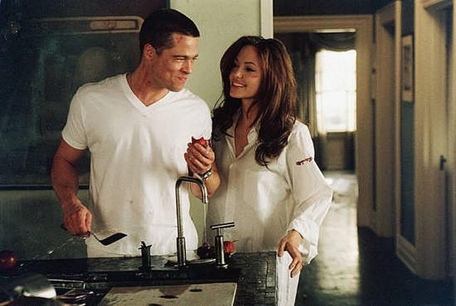 """Анджелина Джоли. Отношения актеров действительно начались благодаря фильму """"Мистер и миссис Смит""""."""