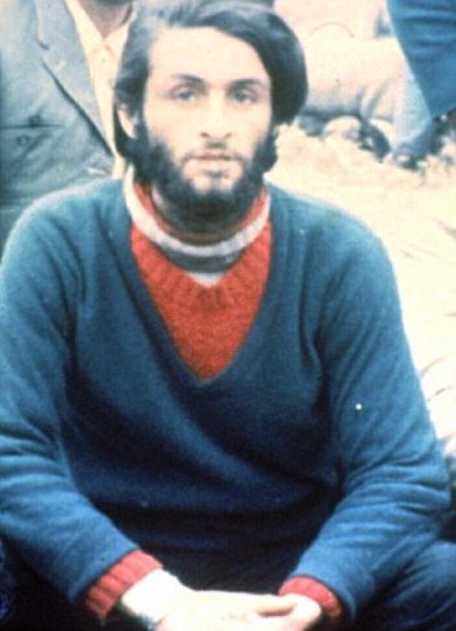 12 декабря 1972 года Паррадо, Канесса и Визинтин выступили в поход. Инициативу взял на себя Паррадо, подгонявший уставших товарищей. Спальный мешок помог им не умереть в ночное время от холода.