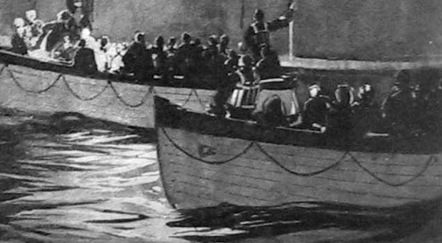 На сигнал бедствия откликнулись и отправились на место бедствия 7 судов.