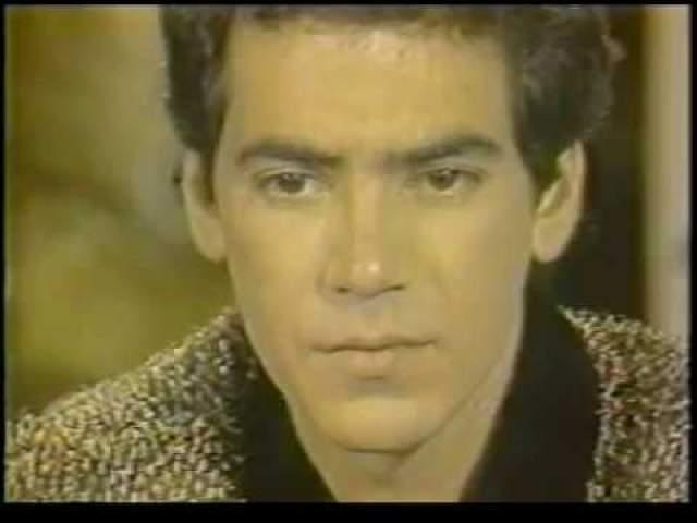 """Выпущена """"Llorando Se Fue"""" была еще в 1981 году. По словам автора песни Гонзало Эрмоса, основой ее была народная латиноамериканская мелодия. В 1990 году Los Kjarkas подали в суд на продюсера Kaoma Жана-Клода Бонавентюра за незаконное использование своей музыки – и победили."""
