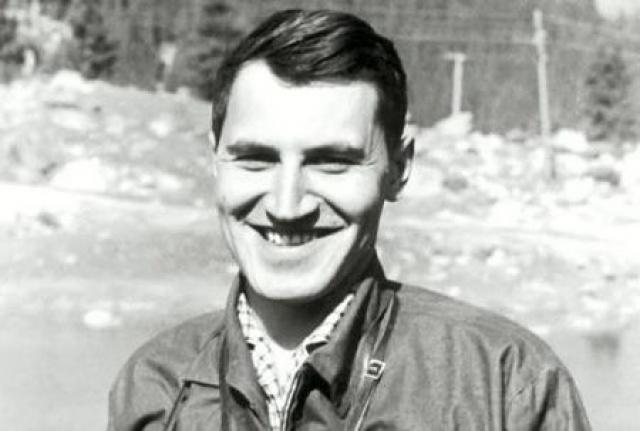 Николай Дроздов. В 1963 году Дроздов окончил кафедру биогеографии географического факультета МГУ, затем два года учился там же в аспирантуре.