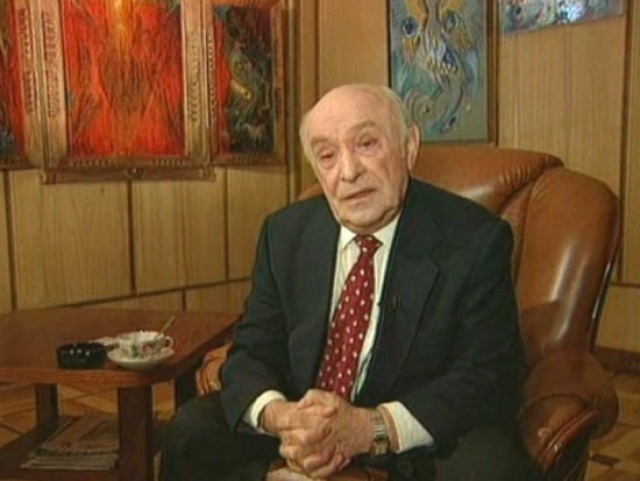 В итоге опухоль вернулась... Ролан Антонович скончался 6 октября 1998 года в Москве.