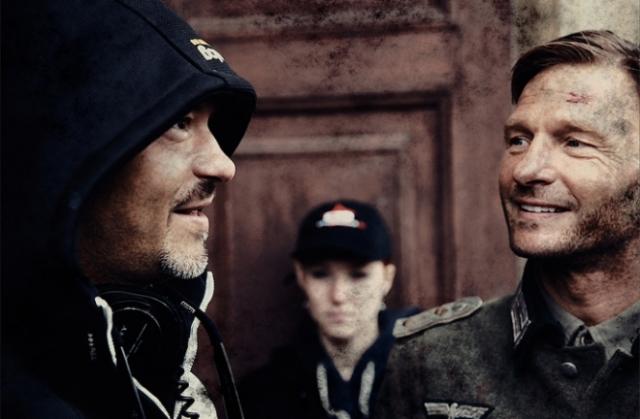 Известный американский актер Томас Кречман сыграл немецкого офицера Петера Кана.