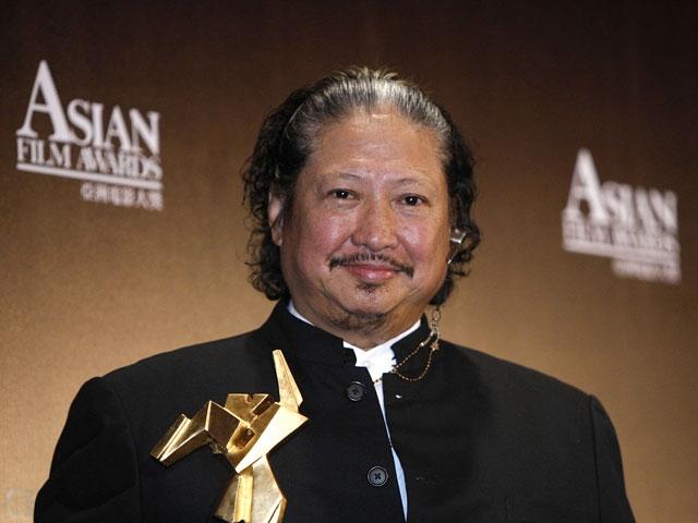 """Сейчас: продолжает сниматься, снимать, работать как продюсер и консультант. В 2010 получил награду на New York Asian Film Festival за фильм """"Ип Ман"""" об учителе Брюса Ли. На съемках этого фильма Хуну стало плохо. он был госпитализирован, перенес операцию на сердце, но вернулся к работе через считанные дни."""