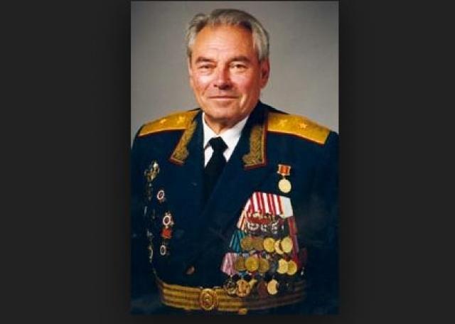 Вторая жена Артема стала Сергеева Елена Юрьевна, работавшая нейрохирургом.