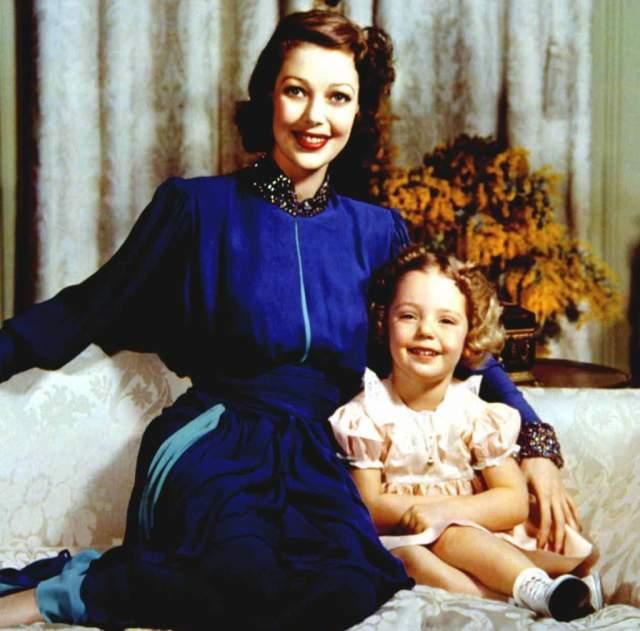 Лоретта скрывала беременность, которая могла испортиться карьеры обоих артистов, а после того, как дочь появилась на свет, отдала ее в приют при согласии Кларка.