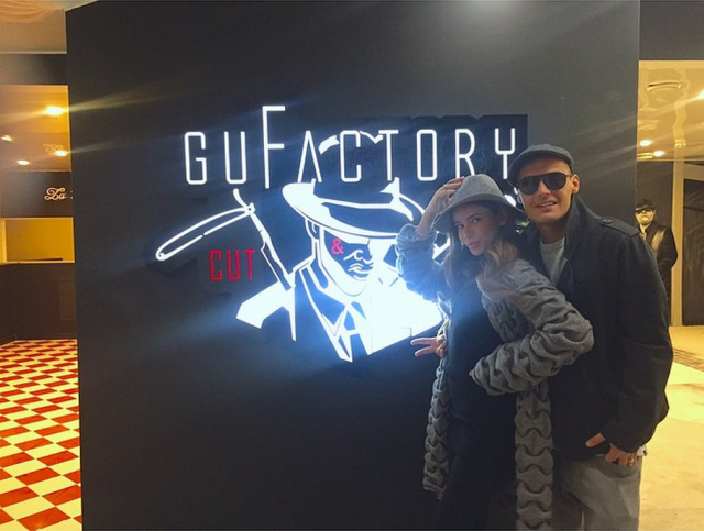 Рэп-музыкант Гуф совместно с бывшей супругой Айзой открыл тату-салон и мужскую парикмахерскую под названием GuFactory.