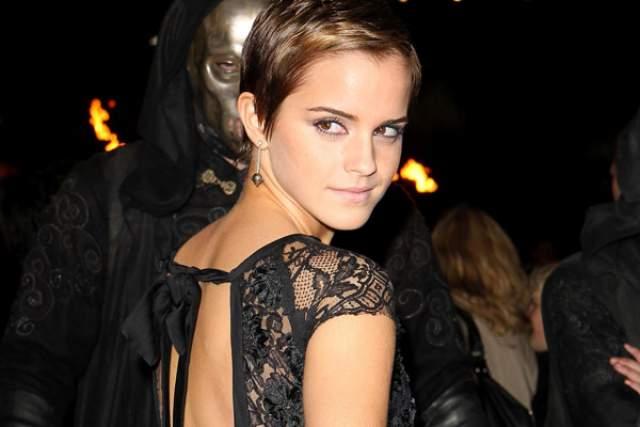 """Каково же было удивление ее поклонников, когда на премьеру заключительной серии """"Гарри Поттера"""" Эмма пришла с короткой стрижкой."""