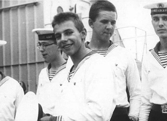 Илья Лагутенко. Уроженец Владивостока служил матросом на Тихоокеанском флоте.