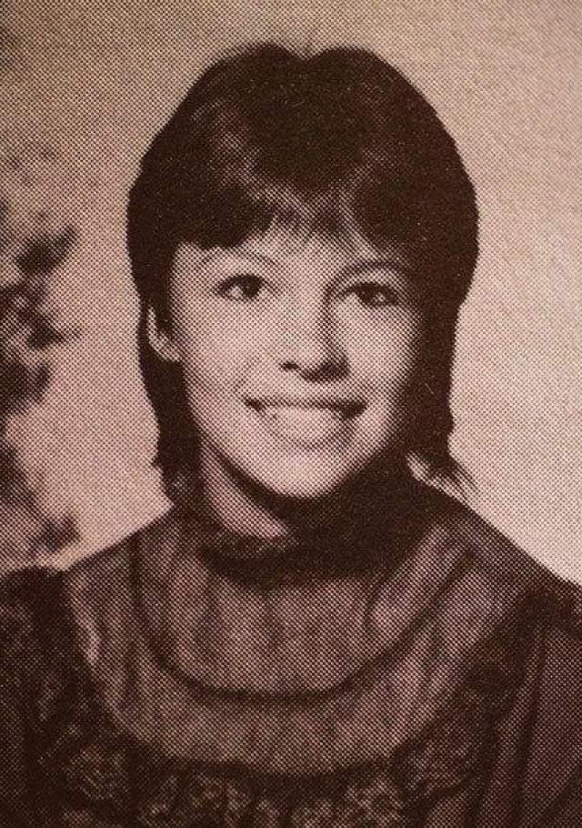 Памела Андерсон, фотография из ежегодника
