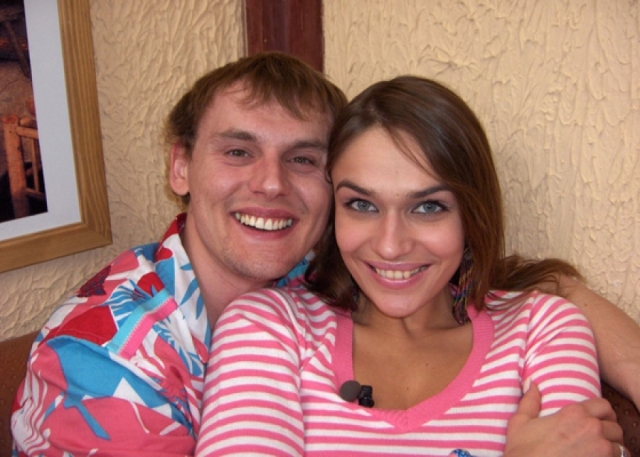 """Алена Водонаева. За три года в """"Дом-2"""" девушке удалось построить яркие и эмоциональные отношения с двумя парнями, с которыми она в итоге все равно рассталась."""