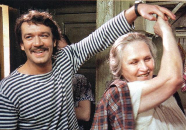 """Последней работой актрисы в кино стал фильм """"Мама"""", снятый кинорежиссером Денисом Евстигнеевым в 1999 году. После этого фильма Нонна Викторовна до последних дней ждала звонков от режиссеров, однако, так и не дождалась."""