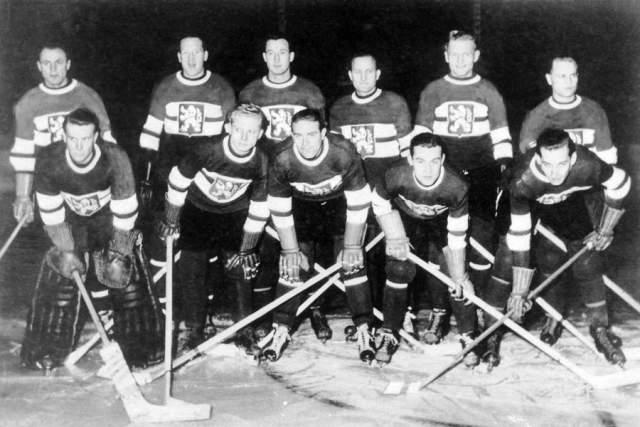 """18 ноября 1948 года, Ла-Манш, сборная Чехословакии по хоккею. Сильнейшая команда Европы в период с 1947 по 1949 год выиграла два """"золота"""" на чемпионата мира и однажды уступили Канаде по разнице шайб, оказавшись в результате на втором месте."""