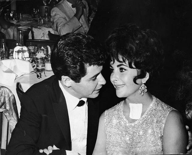 Звездный муж исполнял любые прихоти жены, за что в Голливуде его прозвали подкаблучником Тейлор, однако и так и не смог удержать Лиз.