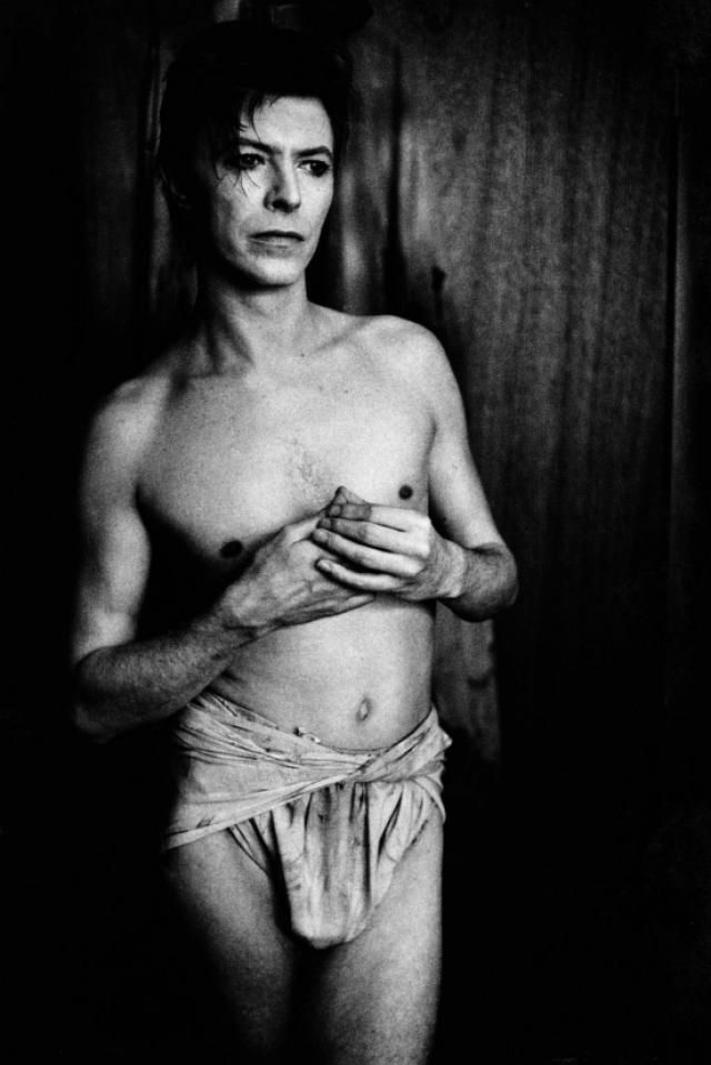 """Несмотря на это, в интервью 1976 года Дэвид признался, что у него есть бисексуальные наклонности: """"Это правда. Я - бисексуал. Но не могу отрицать, что мне это нравится…"""