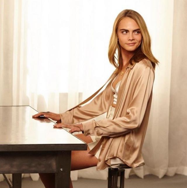 Кара Делевинь. Одна из «стильных людей фэшн-индустрии в возрасте до 45 лет» по мнению американской версии журнала Vogue - обладательница 35,652,942 подписчиков.