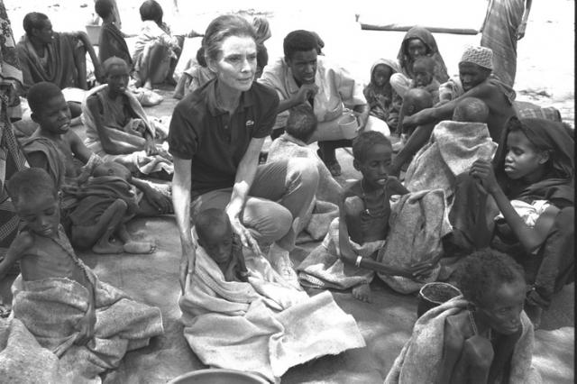 Хотя Хепберн начала сотрудничать с ЮНИСЕФ еще в 1954 году, участвуя в радиопередачах, теперь это стало для нее более серьезной работой. Близкие утверждают, что мысли об умирающих, беспомощных детях преследовали ее всю оставшуюся жизнь.