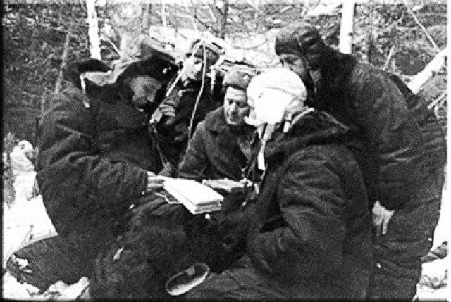 """Проблемы начались после посадки на Землю в 180 километрах севернее города Перми. В сообщении ТАСС это называлось посадкой в """"запасном районе"""", который на деле являлся глухой пермской тайгой."""