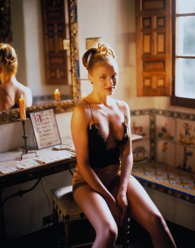 Камерон Диас. Блондинка подписала контракт с Elite Model Management, когда ей было только 16, и успешно строила карьеру модели в течение 5 лет после окончания средней школы.