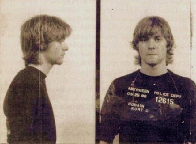Курт Кобейн был арестован в Абердине, штат Вашингтон за появление в общественном месте в нетрезвом состоянии: рокер просто-напросто буянил на улице.