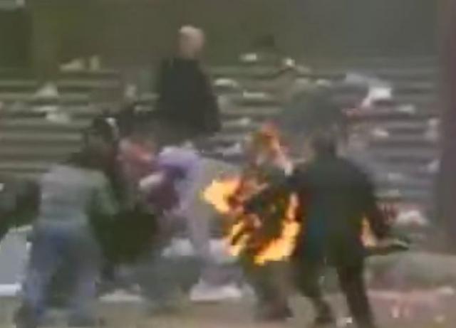 В огне погибли 52 человека, 200 получили тяжелые ожоги.