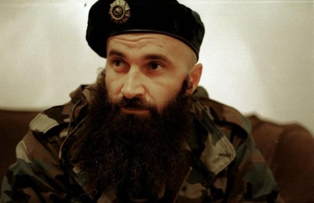 С этой целью Басаев определил ряд городов России объектами нападений, распределил между участниками банды роли и взял на себя ее руководство.