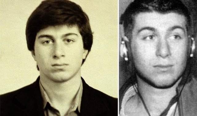 После смерти обоих родителей Абрамович два года жил вместе с бабушкой по отцовской линии Татьяной Семеновной в Сыктывкаре, пока в 1970 году их не забрали к себе в Ухту брат отца Лейб Нахимович Абрамович.