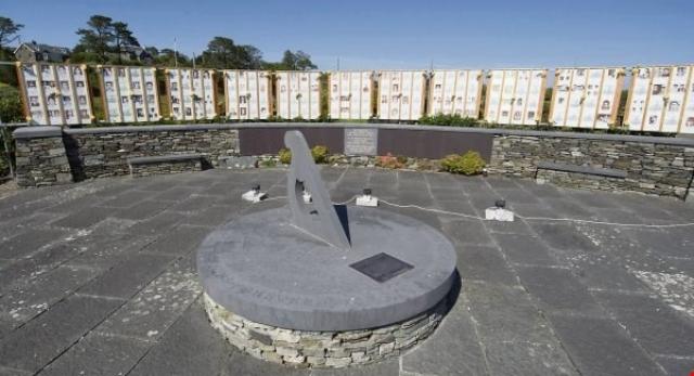 Мемориалы в память о жертвах установлены в канадском Торонто...