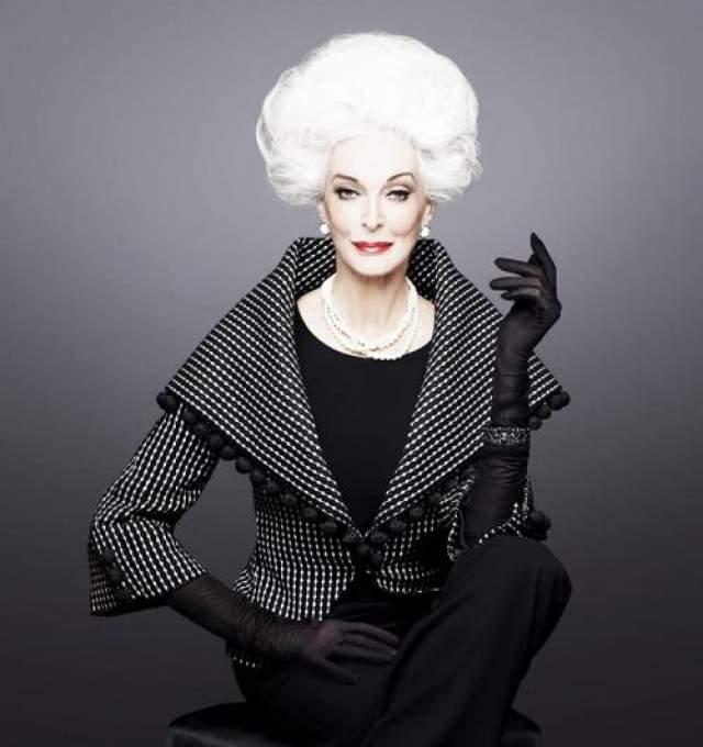 """Актриса, автор книги """"Быть красивой: секреты и приемы, которым я научилась за 40 лет работы моделью"""", доктор Университета искусств в Лондоне."""