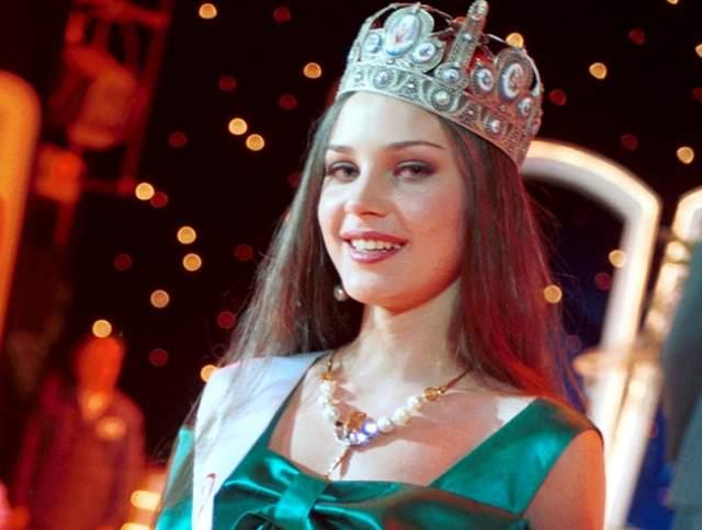 Александра Петрова 19-и летнюю российскую модель Александру Петрову убили 16 сентября 2000 года во время покушения на ее бойфренда, криминального авторитета Кристина Чувилина.