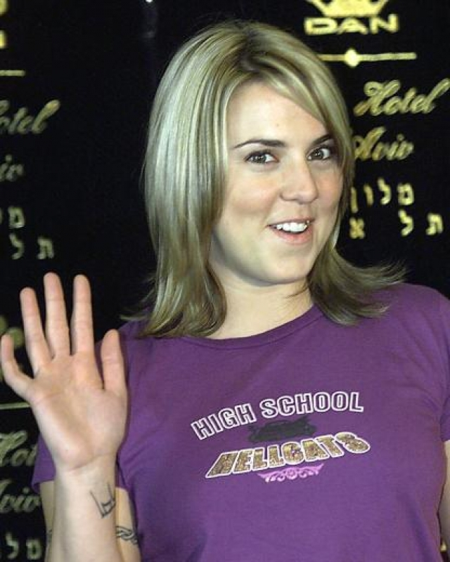 """В 1999 году певица выпускает свой дебютный альбом """"Northern Star"""", за которым после двухлетнего турне следует второй."""
