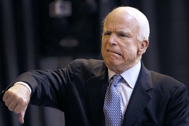"""На обсуждении перспектив расширения """"списка Магнитского"""", сенатор заявил, что США необходимо вести себя жестче с Россией и высказать свое мнение в связи с """"деятельностью самодержавного полковника КГБ, который продолжает угнетать российский народ"""" ."""