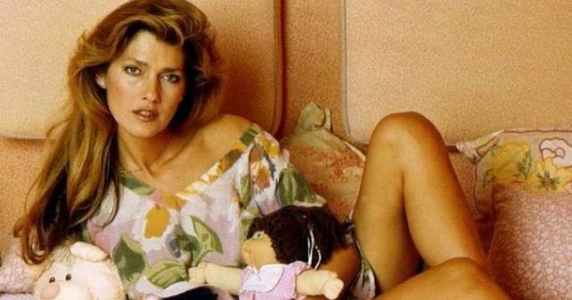 """Кэролайн Тула Косси. Пол с мужского на женский Косси сменила в 17 лет, а позже стала первой из транссексуалов в мире, позировавшей для """"Плейбоя""""."""