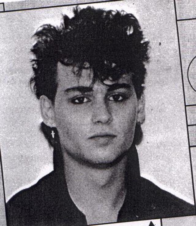Джонни Депп был отчислен из школы, когда ему было 15.