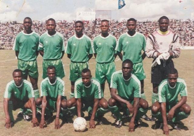 27 апреля 1993 года, Либерия, сборная Замбии по футболу. Самолет направлялся в Сенегал на матч квалификации ЧМ-1994. Согласно плану полета, пилоты должны были трижды приземлиться для дозаправки.