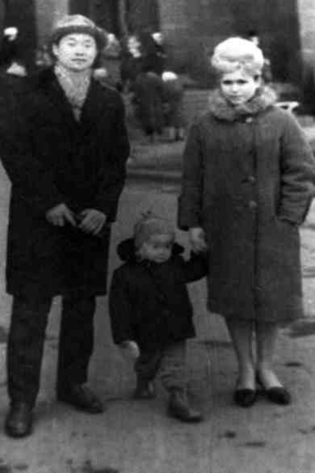 Виктор был в семье единственным ребенком.