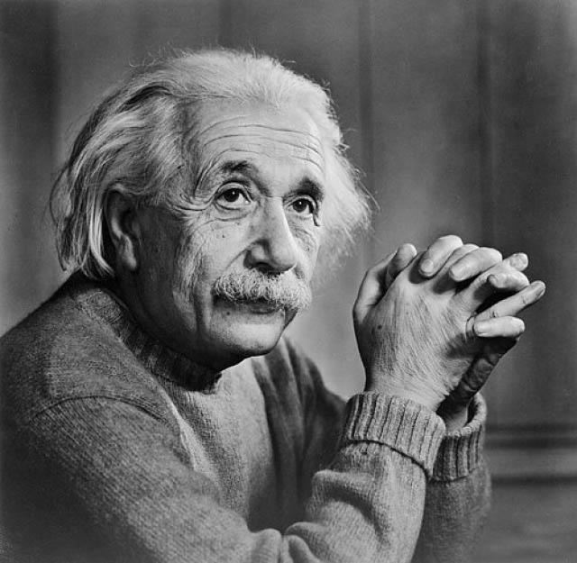 """После прихода к власти нацистов все труды Эйнштейна были приписаны """"арийским"""" ученым, а на Эйнштейна посыпались оскорбления и угрозы."""
