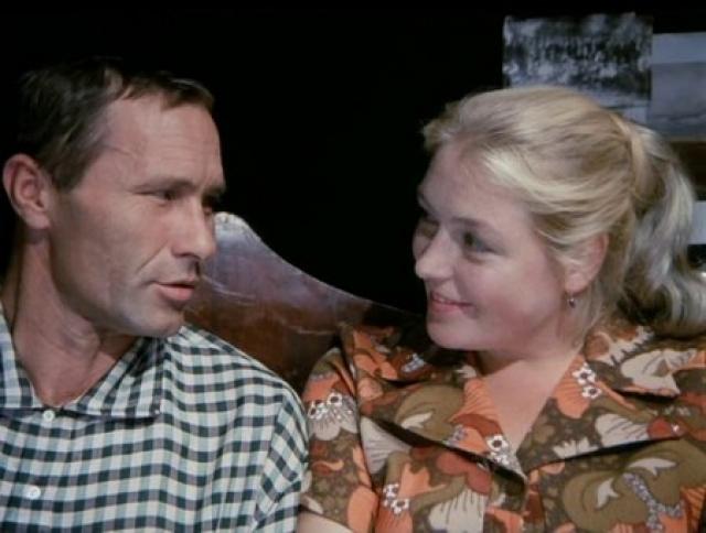 """Первая серьезная трещина в их отношениях произошла уже летом 1964 года, когда Шукшин отправился в Судак на съемки фильма """"Какое оно, море?"""", где он встретил 26-летнюю киноактрису Лидию Федосееву."""