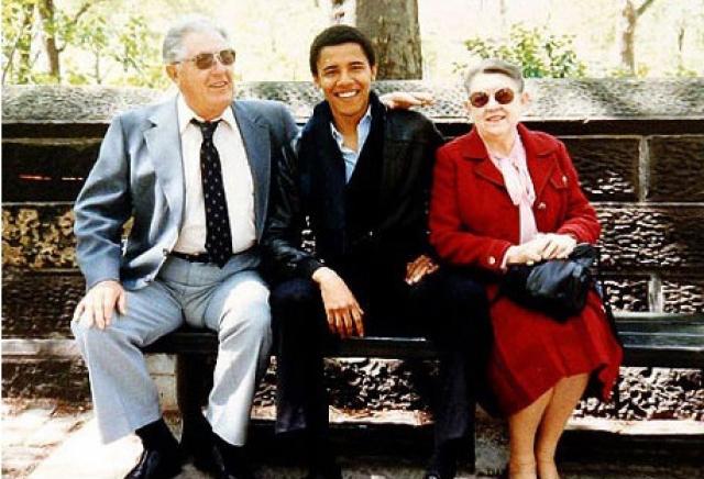 Автор книги об американском президенте заявил, что обнаружил отфотошопленный снимок Обамы.
