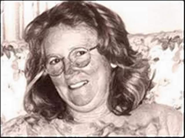 Кэтрин Найт . Родилась в 1956 году. Первая в истории Австралии женщина, приговоренная к пожизненному заключению без права на УДО. В 2001 году во время семейной ссоры она нанесла своему сожителю Джону Чарльзу Томасу Прайсу около 30 ударов ножом для разделки мяса, после чего сняла с трупа кожу.