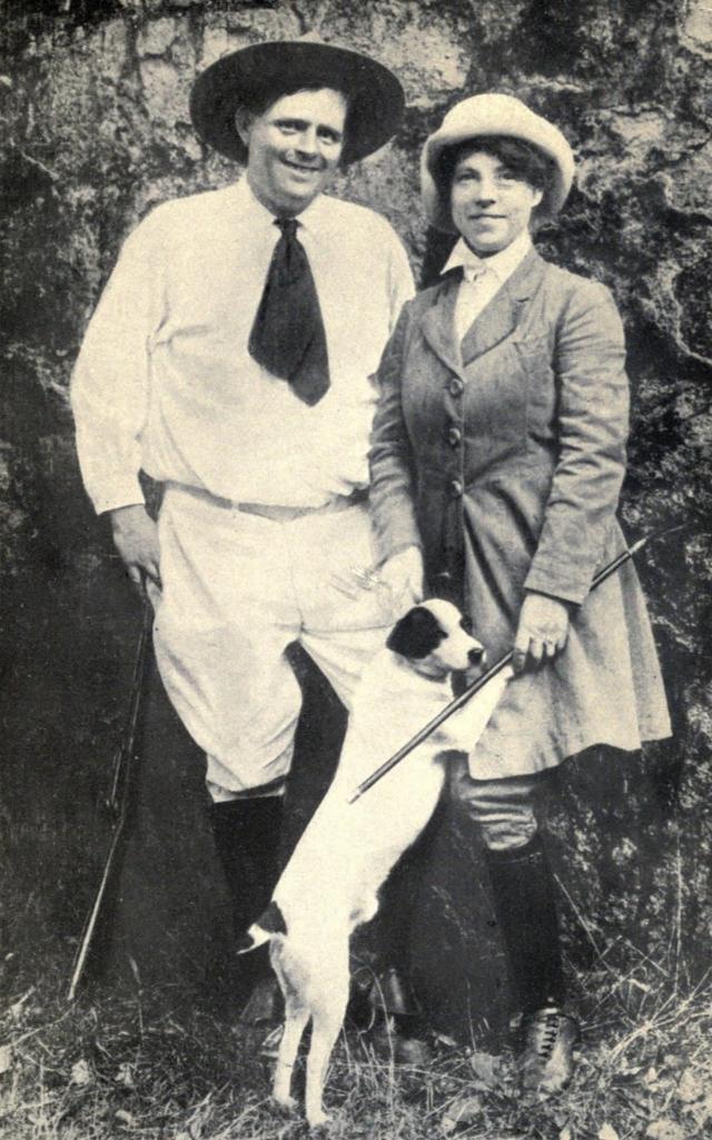 В январе 1900 года Джек Лондон женился на невесте своего погибшего университетского приятеля Бэсси Маддерн, которая родила ему двух дочерей - Джоан и Бэсс. Летом 1903 года, влюбившись в Чармиан Киттредж (на фото), писатель уходит из семьи и в ноябре 1905 года женится на ней