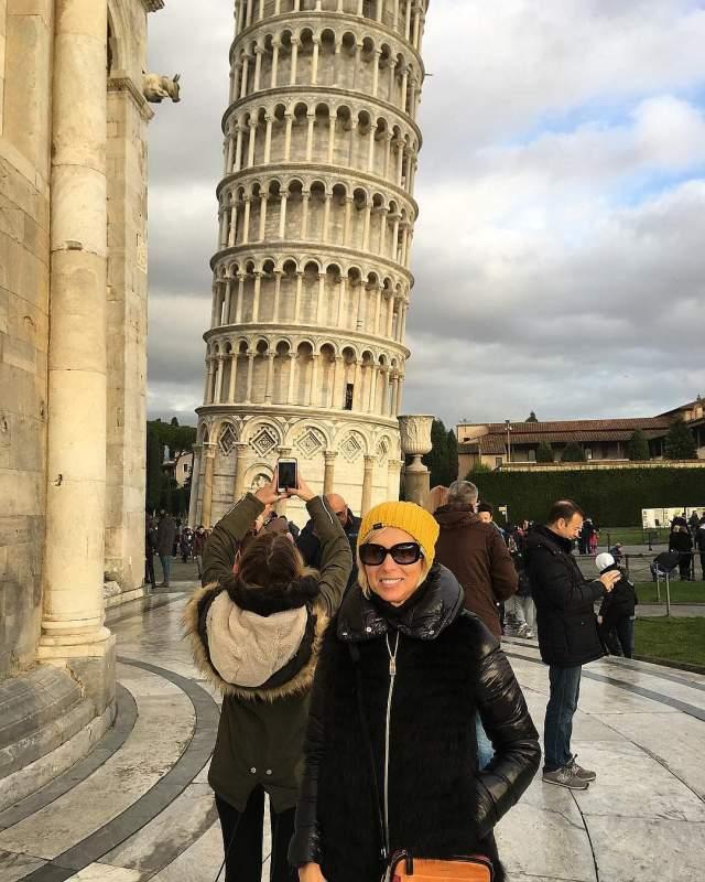 Алена Свиридова на новый год оказалась в Пизе.