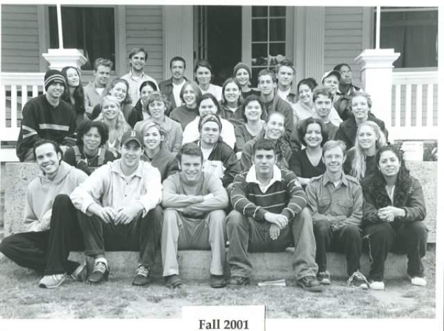 """Джон Красински и Б.Дж. Новак. Нынешние звезды сериала """"Офис"""" вместе учились в колледже Newton South High School, из которого выпустились в 1997 году. После этого их пути разошлись и они виделись лишь изредка, приезжая к родителям."""