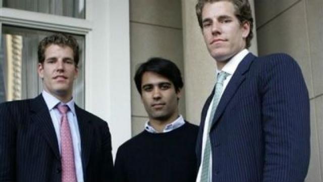 Через шесть дней после запуска сайта три гарвардских старшекурсника - Камерон Уинклвосс, Тайлер Уинклвосс и Дивья Нарендра выступили против Цукерберга.