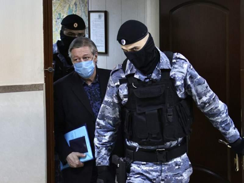 Член ОНК рассказала о поведении Ефремова в СИЗО